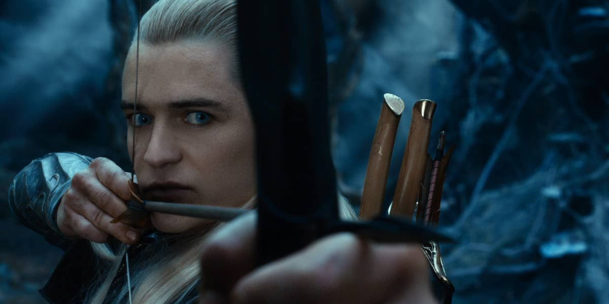 The Internet Is Debating Hawkeye Vs Legolas, And The Responses Are A+