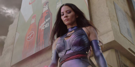 X-Men's Olivia Munn Tried To Use Her Psylocke Sword During Isolation, And The Video Is A Hilarious Disaster