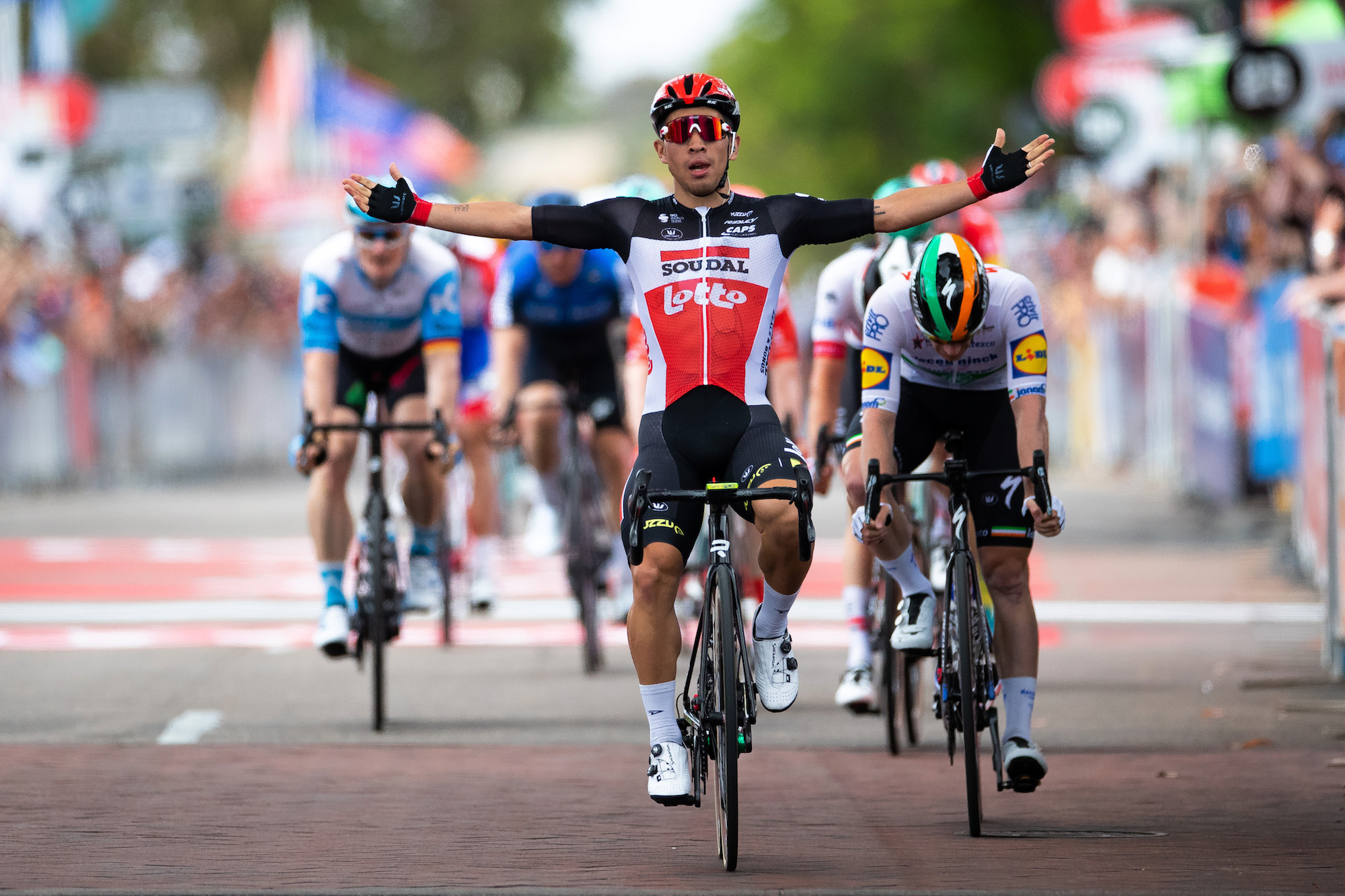 Caleb Ewan tears past Sam Bennett to take hectic stage four of Tour Down Under 2020
