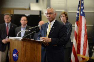 NASA Administrator Visits JSC