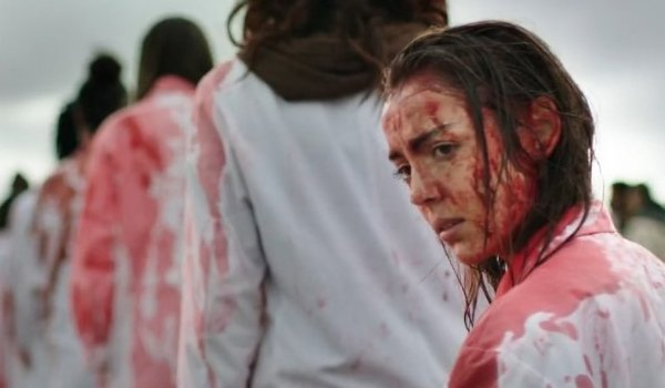 Garance Marillier covered in blood in Raw