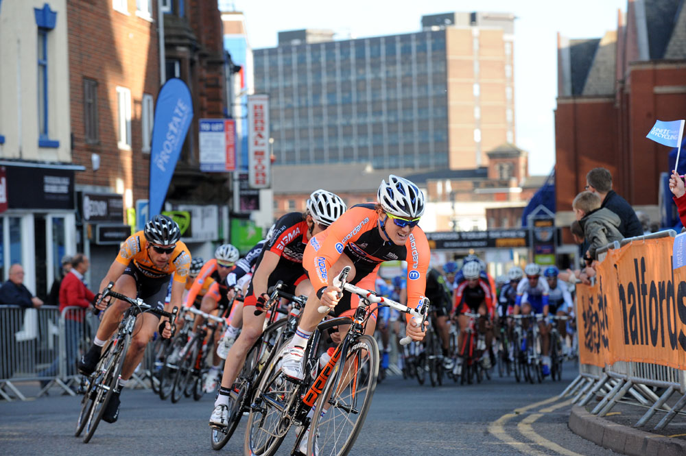 Tobyn Horton on front, Tour Series 2011, round 5, Stoke-on-Trent