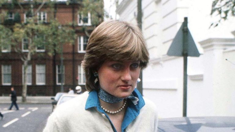 Lady Diana Spencer outside her flat in Coleherne Court, London, before her engagement to the Prince of Wales, December 1980. (Photo by Jayne Fincher/Princess Diana Archive/Getty Images)