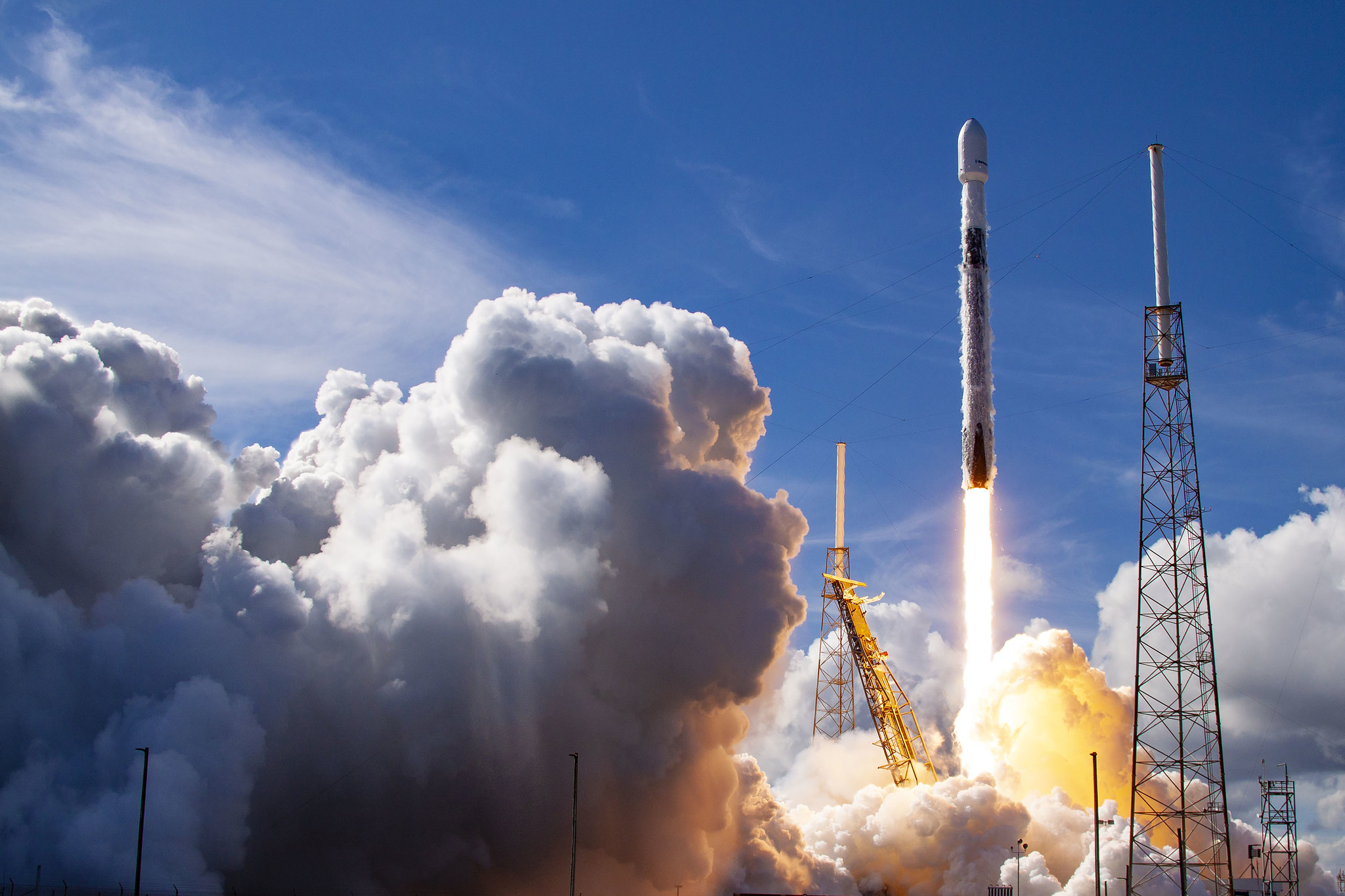 SpaceX will launch its 1st Starlink satellites of 2021