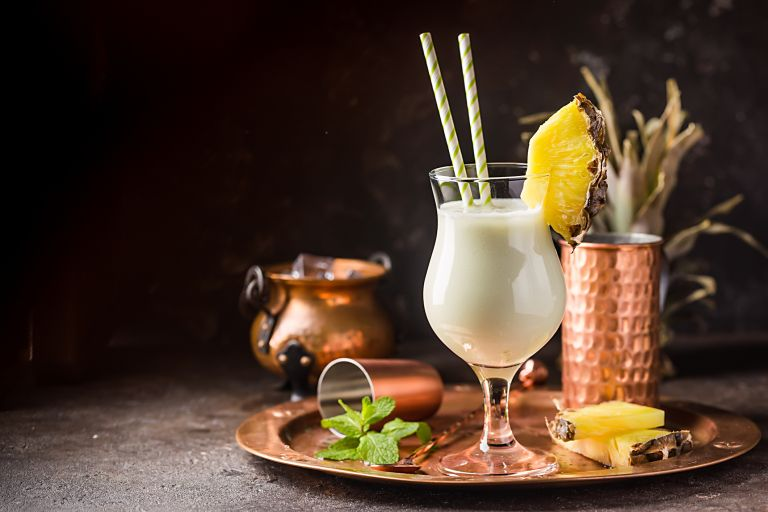 Piña colada recipe with cocktail making kit