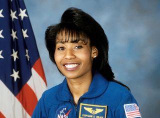 Astronaut Biography: Stephanie D. Wilson