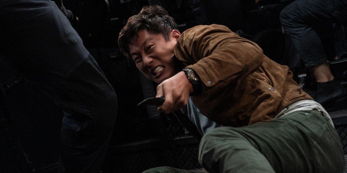 Han fighting a guy in F9