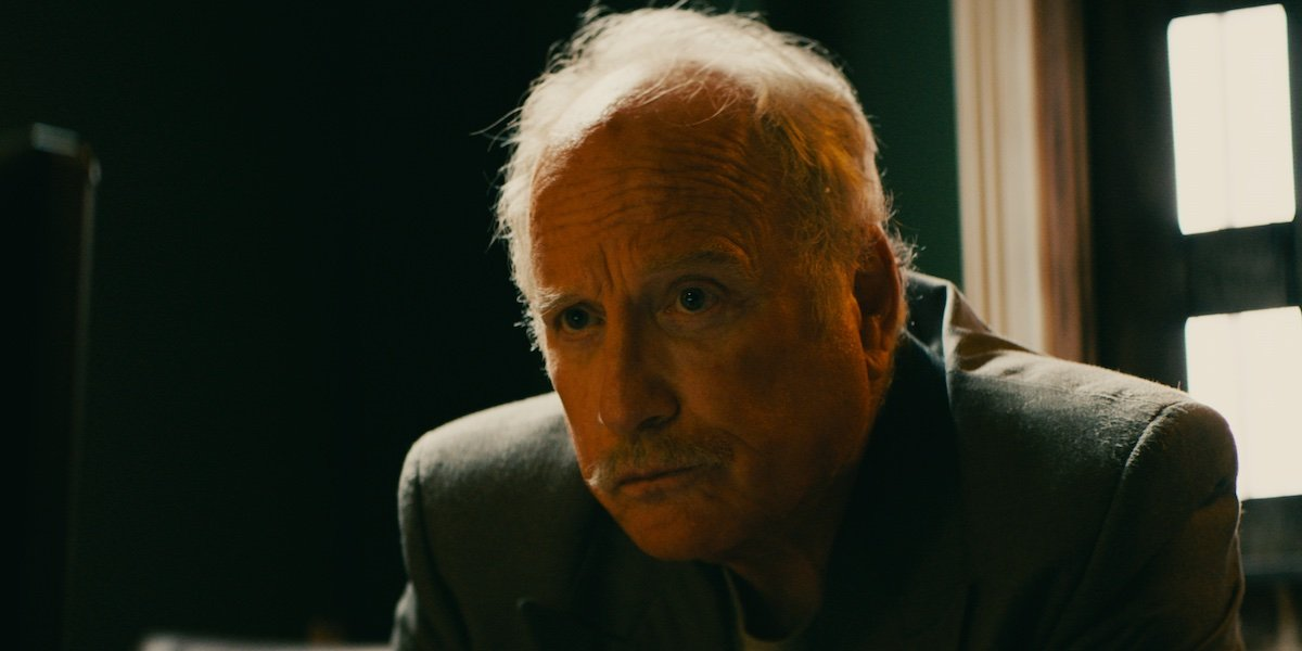 Richard Dreyfuss looking very serious in Crime Story