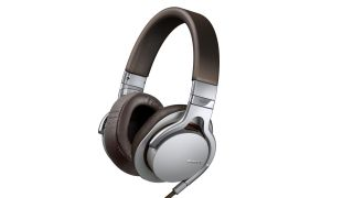 Sony unveils NFC-toting NDR-1 range of headphones