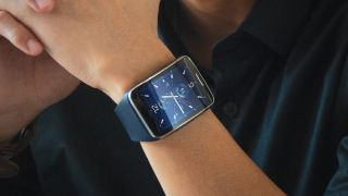 Samsung Gear S sports curved screen, 3G and shuns Android Wear