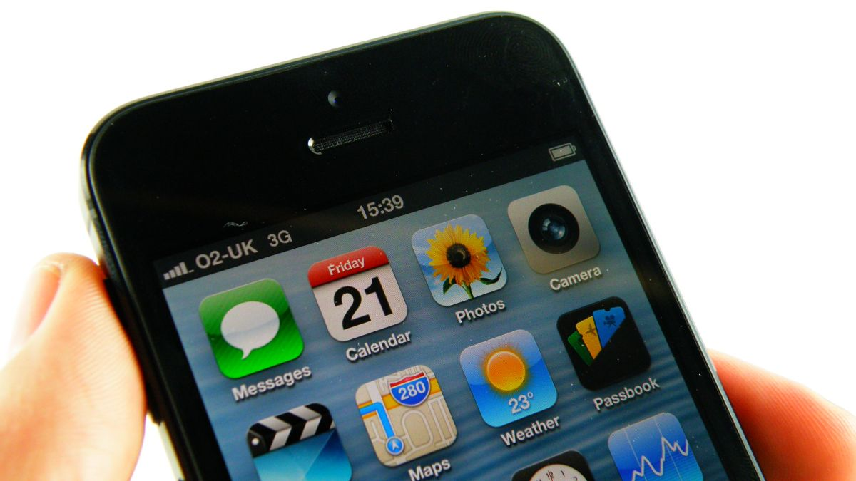 sell my iphone 5 iphone 5 becomes world s best selling smartphone techradar 16094