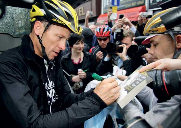 lance armstrong, cycling, astana, livestrong