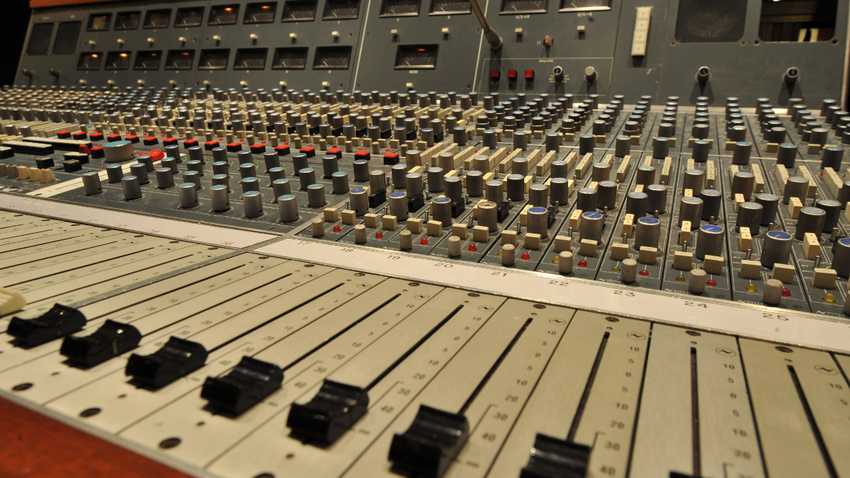 10 things we miss about making music in the pre-DAW age