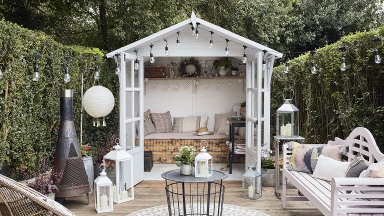 she shed ideas: summerhouse festoon lights