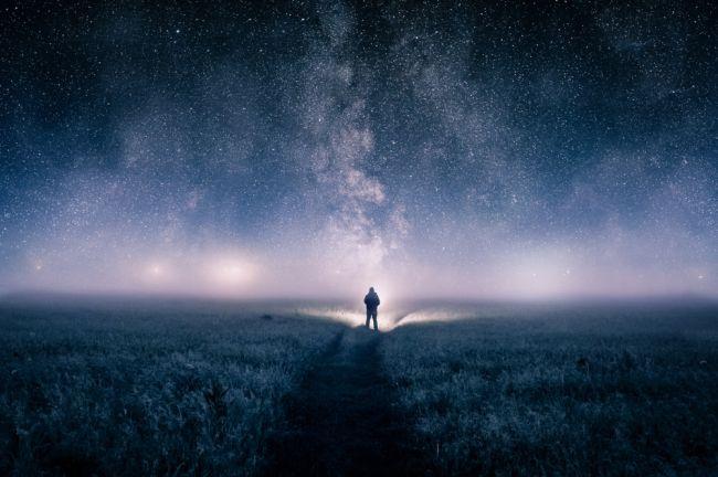 Os seres humanos podem ser a única vida inteligente no universo, se a evolução tem algo a dizer