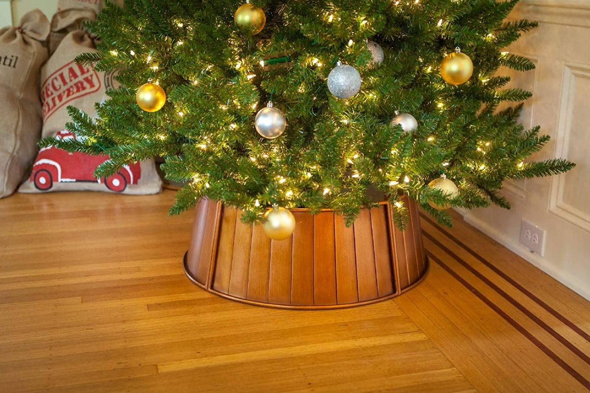 Christmas Tree Collar Trend Copper Is 2020 S Must Have Finish Homes Gardens