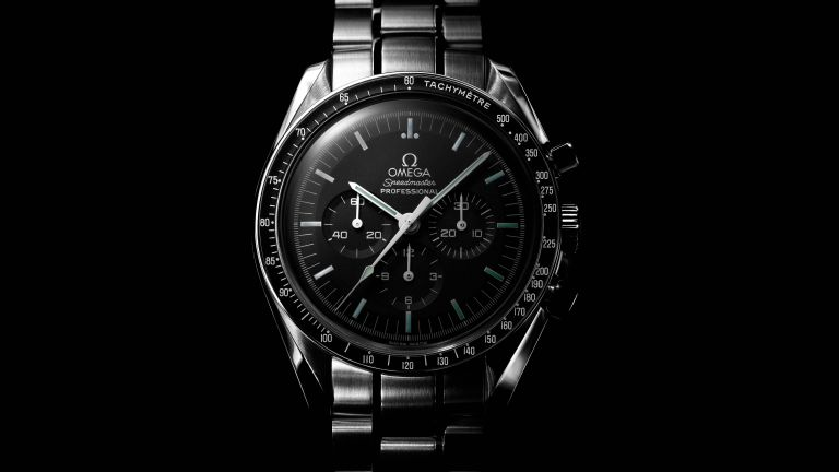 Save over £400 on the iconic Omega Speedmaster Moonwatch at Goldsmiths!