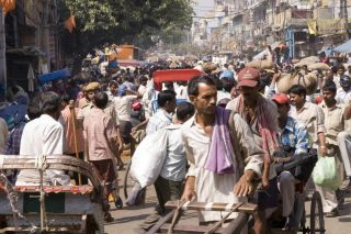 A crowded street in New Dehli, India.