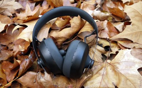 6a56b154988 Headphones that match the personal sound profile of your ear? We like the  sound of that.