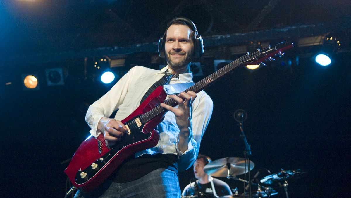 Paul Gilbert reveals the only type of guitar cable he ever uses onstage