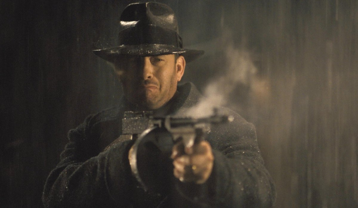 Road To Perdition Tom Hanks tearfully fires a tommy gun