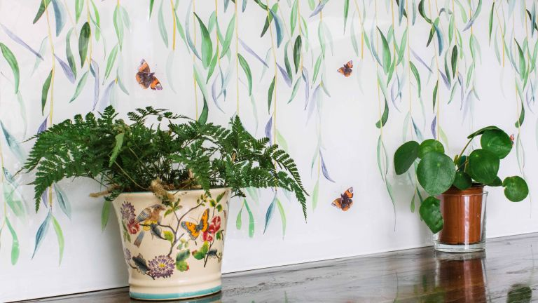 kitchen_splashback_willow-from-the-new-glasshouse-collection-by-Emma-Britton