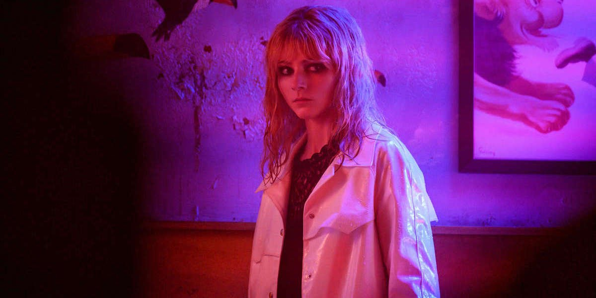 Last Night in Soho, Thomasin McKenzie in dark makeup