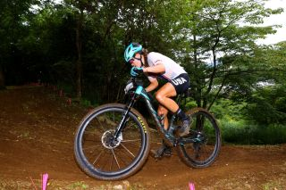Kate Courtney (USA) races to 15th at the Tokyo Olympics