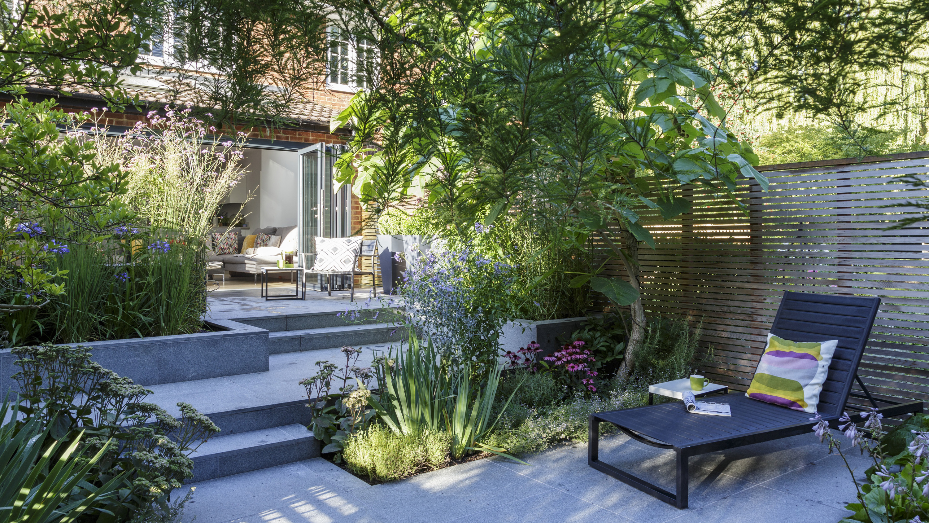 North Facing Gardens Your Ultimate Guide To Design And Planting Gardeningetc