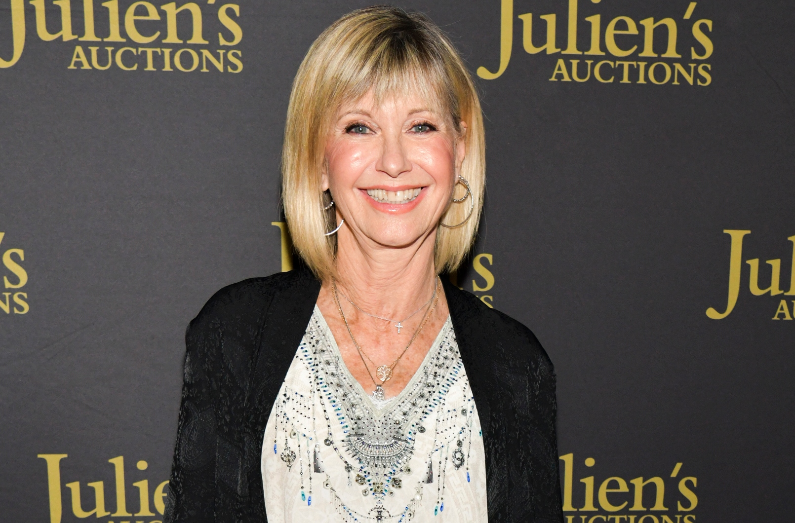 Olivia Newton John Opens Up About Overwhelming Cancer Diagnosis
