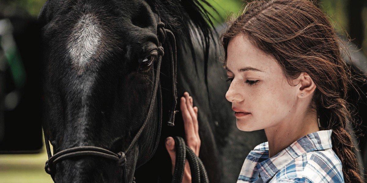 Mackenzie Foy in Black Beauty