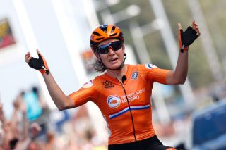 Amy Pieters wins the European title
