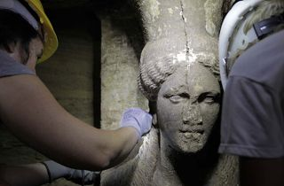 history, archaeology, tombs, guards, women in history, female sculptures