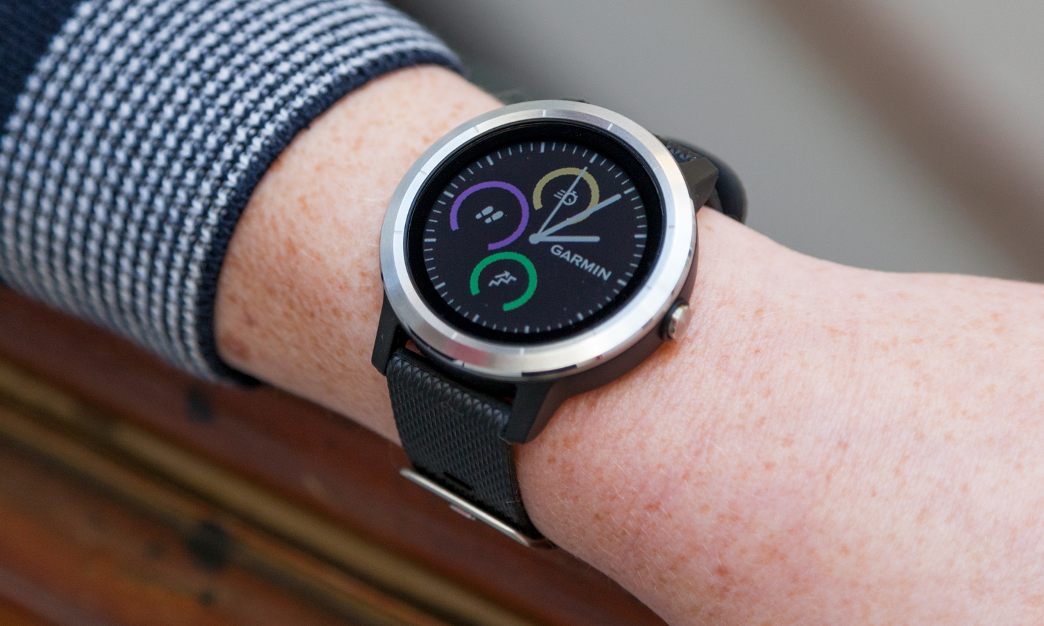 Garmin Vivoactive 3 Review: This Apple Watch Rival Wins on Fitness