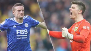 Jamie Vardy of Leicester City and Nick Pope of Burnley