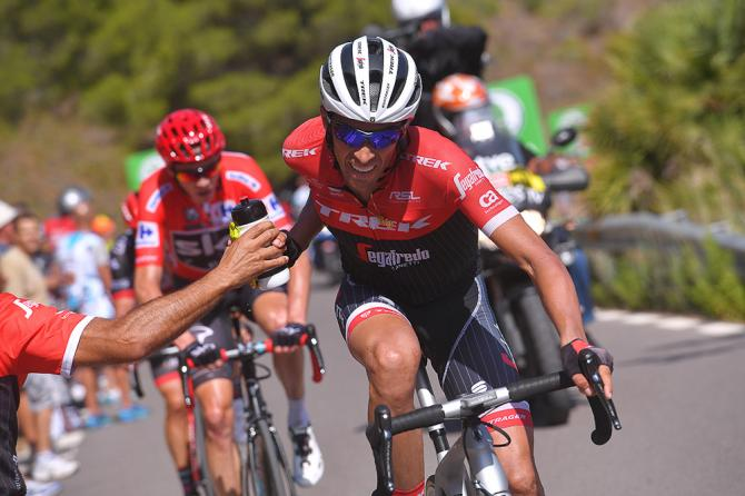 Alberto Contador takes on a drink during stage 6 at the Vuelta