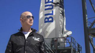 Jeff Bezos Inspects Blue Origin's Shepard Rocket