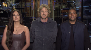 Kacey Musgraves, Owen Wilson and Keenan Thompson on the stage at SNL