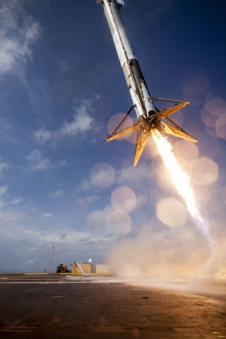Falcon 9 Rocket Trying to Land, April 14, 2015