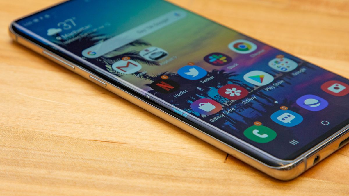 Samsung Galaxy S11 apparently won't have a waterfall screen like the Mate 30 Pro