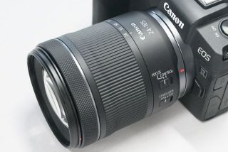 New Canon lens leaked! Compact Canon RF 24-105mm f/3.5-5.6 IS STM