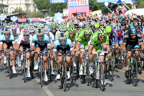 Last lap peloton, Giro d'Italia 2013 stage one
