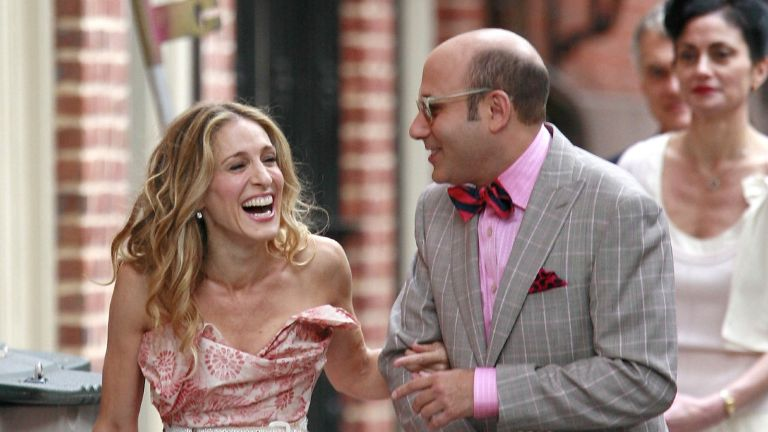 """Actress Sarah Jessica Parker and actor Willie Garson sighting filming a scene for the movie """"Sex and The City"""" on location in the west village on October 01 2007 in New York City"""
