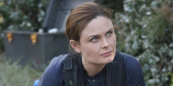 No Bones About Emily Deschanel In First Look At Her New
