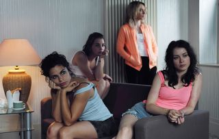 Doing Money – Picture Shows: Lily (ALINA SERBAN), Skinny (VOICA OLTEAN), Ancuta (COSMINA STRATAN), Anna (ANCA DUMITRA)