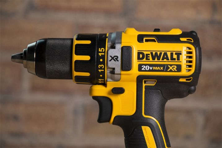 DeWalt DCD790D2 20V Cordless Power Drill Review - Pros and Cons