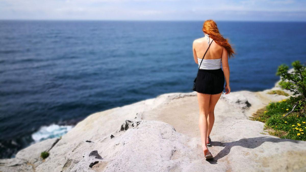 Sketchers woman's walk and workout flip flops