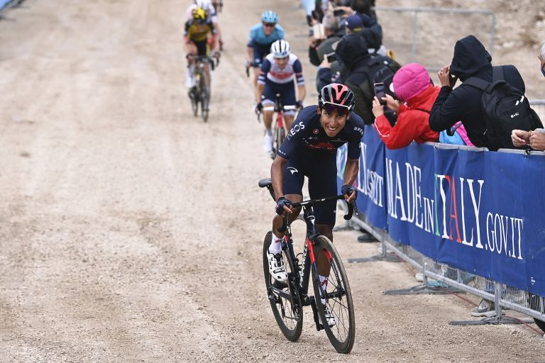 Egan Bernal attacks to take the stage and pink jersey at Giro d'Italia 2021