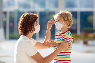 Everyone Should Wear Face Masks In Public Cdc Now Recommends