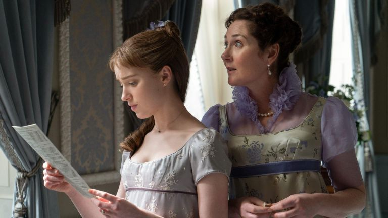 BRIDGERTON, from left: Phoebe Dynevor, Ruth Gemmell, Diamond of the First Water', (Season 1, ep. 101, aired Dec. 25, 2020)